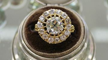 Vintage Gallery Set 3.29ct Early Modern Cut Ring