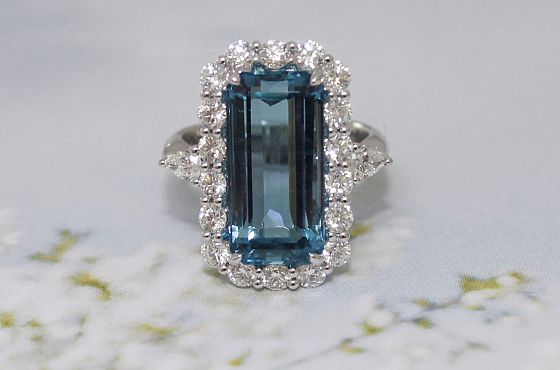 Intense 8.20ct  Natural Aquamarine Ring